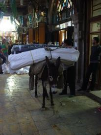 Wide load in the Aleppo Souk