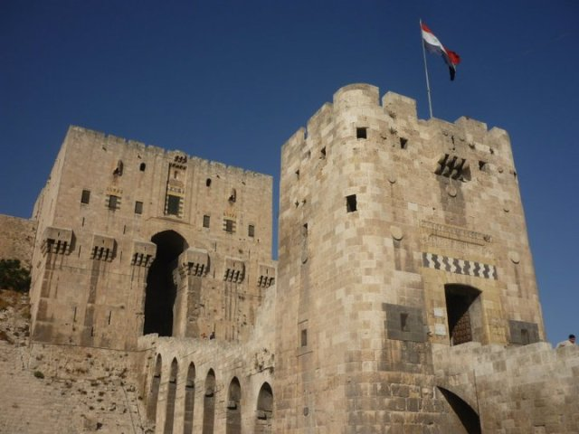 The only entrance to Aleppo Citadel. If someone asked me to storm this, I think I would have very quickly remembered a pressing engagement elsewhere.